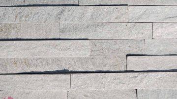 Svetlo-sivi-dekorativni-prirodni-kamen